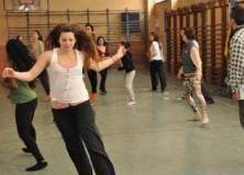 Τζόναθαν Χολάντερ: Κάνε χορό, όχι πόλεμο
